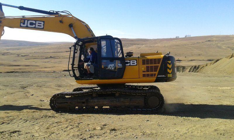 2014 Jcb JS205 excavator