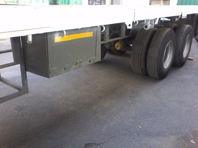 Hendred 12M Flatbed trailer