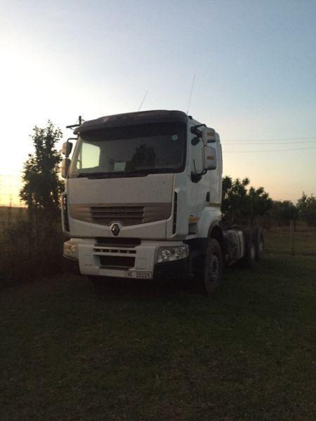 Renault 440 Premium Loader Truck Tractor For Sale