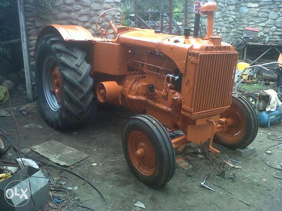 Allis Chalmers vintage tractors