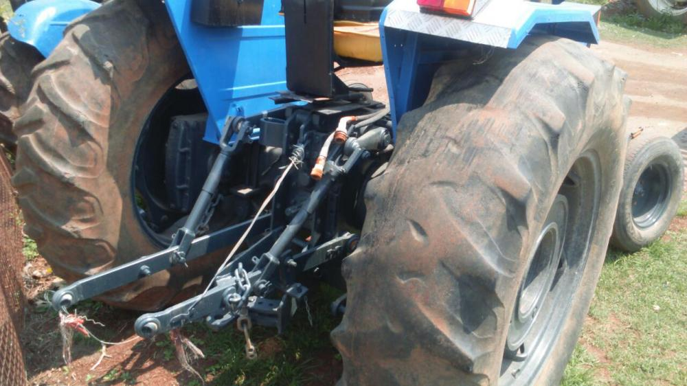 Landini 8860 tractor tyres are bad