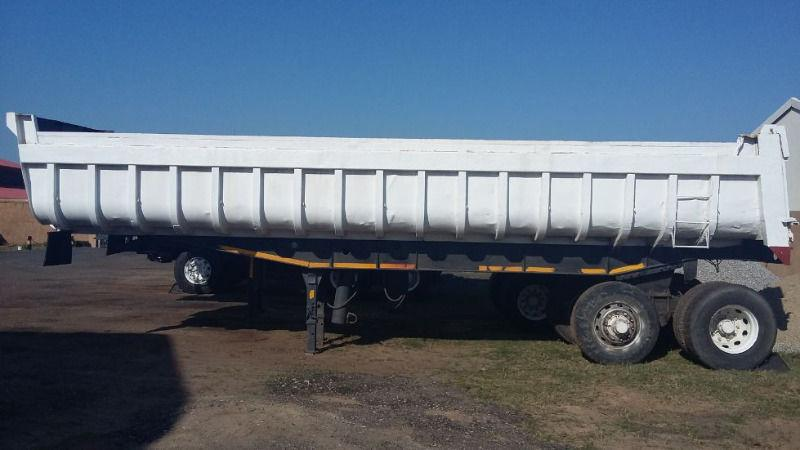 Hendred Fruehauf Tipper Trailer