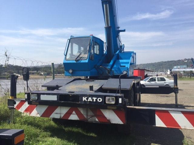 Kato KR20H-III Crane