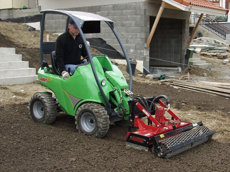 Avant 225–Telescopic Handler,mini digger / tractor / excavator,trencher/forklift/rotavators