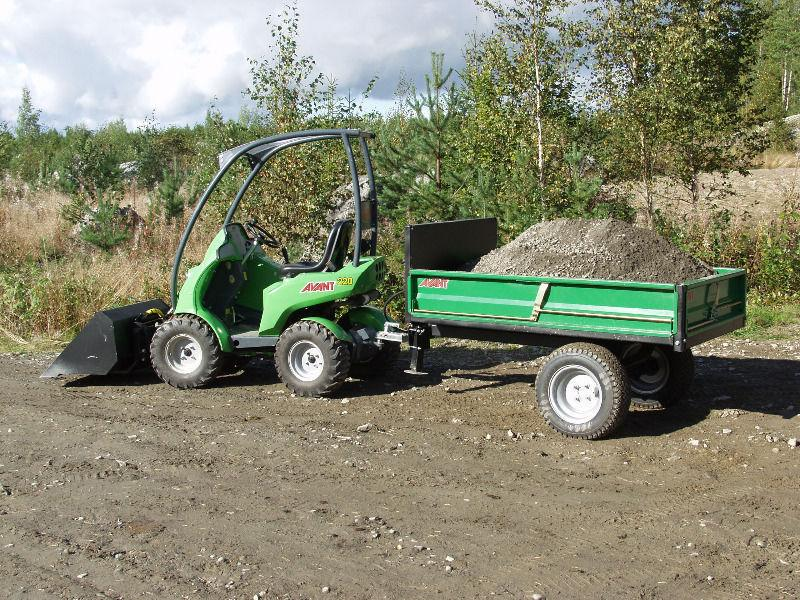 Avant 225: Articulated mini digger/loader/trencher
