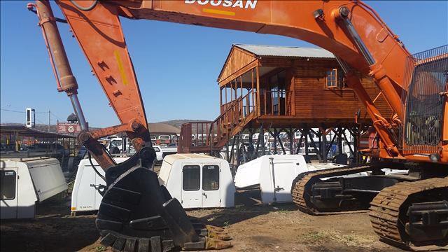 Doosan 420LCV Solar Excavator
