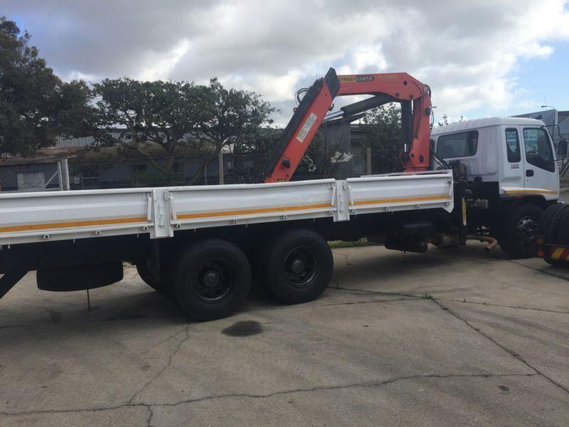 Isuzu FVZ 1400 crane truck