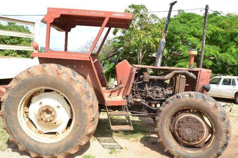 FIAT 880 4WD TRACTOR & TRAILER