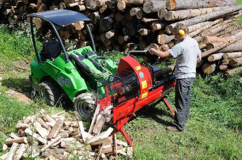 The AVANT 500 Series machines are extremely effective and versatile loaders
