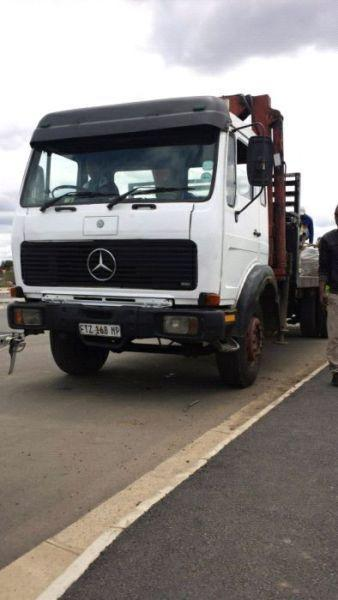 Mercedes 8 ton Crane Truck for sale
