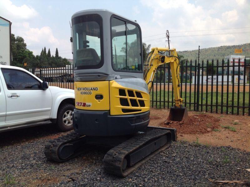 New Holland 27.2 mini excavator mint condition