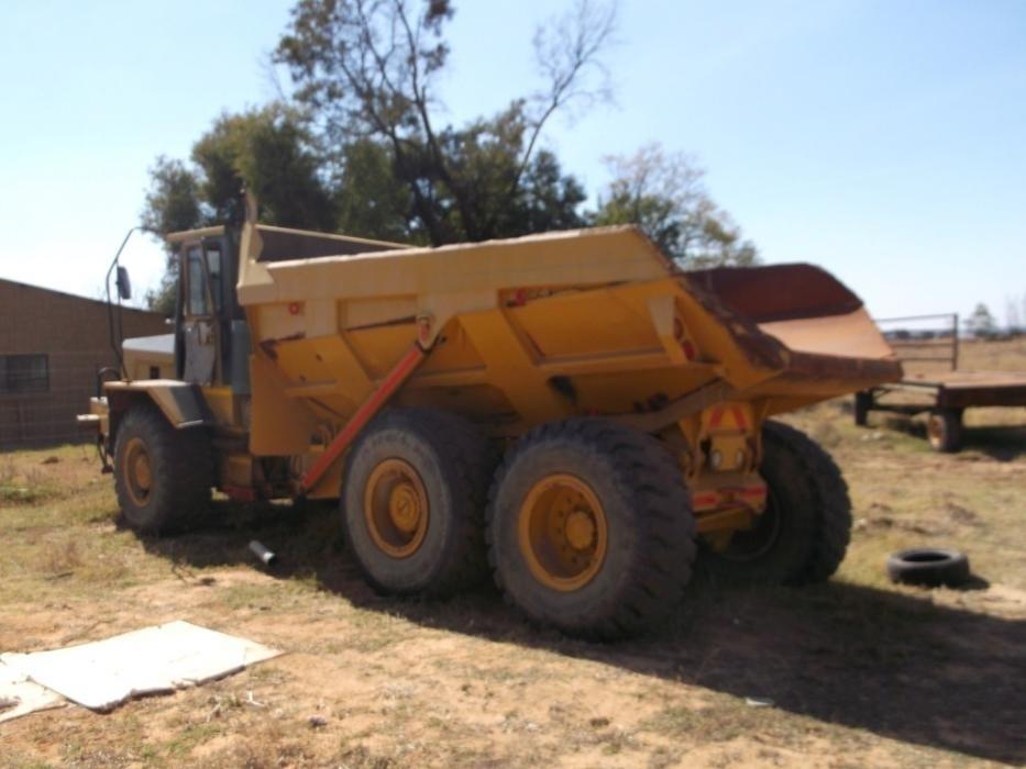 Bell B20 dump truck