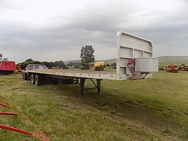 Double Axle Flat Deck Semi Trailer