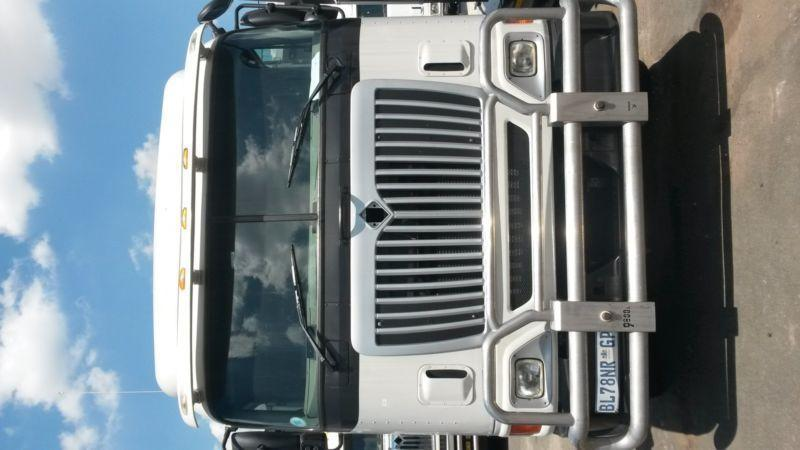 2011 HIGH ROOF INTERNATIONAL 9800i TRUCK TRACTOR