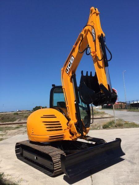 2011 JCB 8085 Excavator