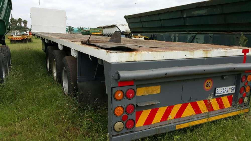 Hendred Flatdeck Triaxle Trailer
