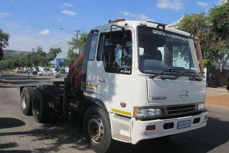 Hino Crane truck 57.370 Truck