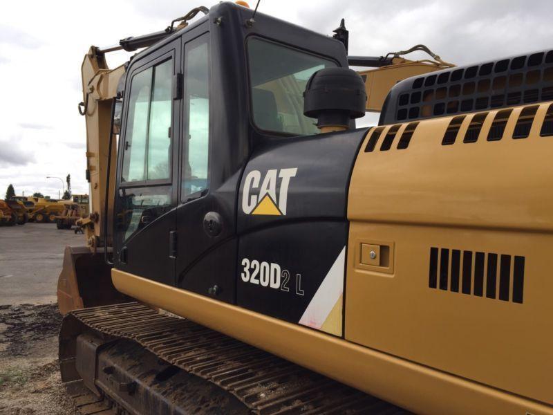 2014 Caterpillar 320D excavator