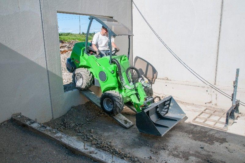 Avant 630– Small articulated loader & forklift