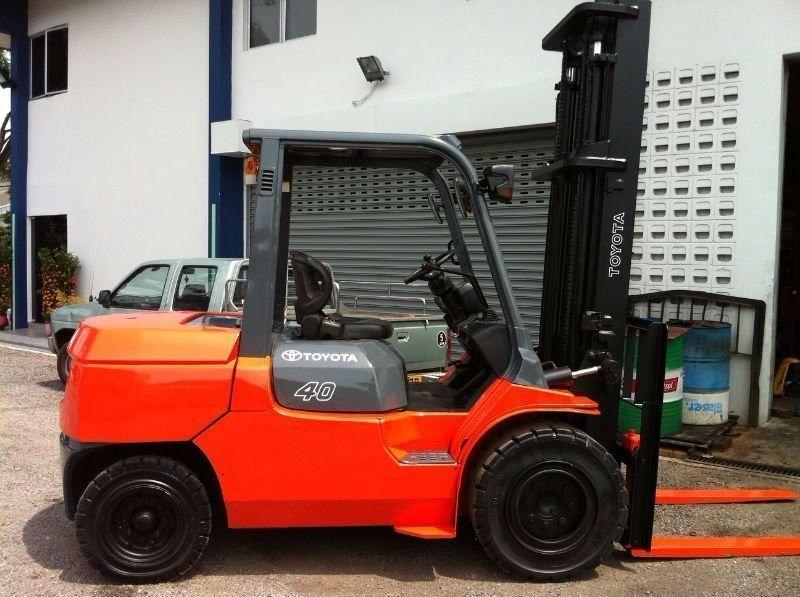 4 TON TOYOTA DIESEL FORKLIFT FOR SALE