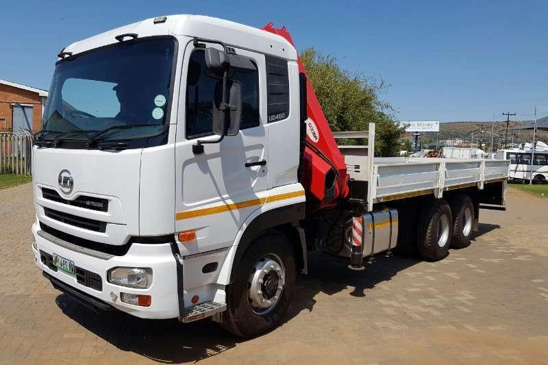 Nissan double axle UD460 with Rigid & 17.5 Ton/Fassi Truck