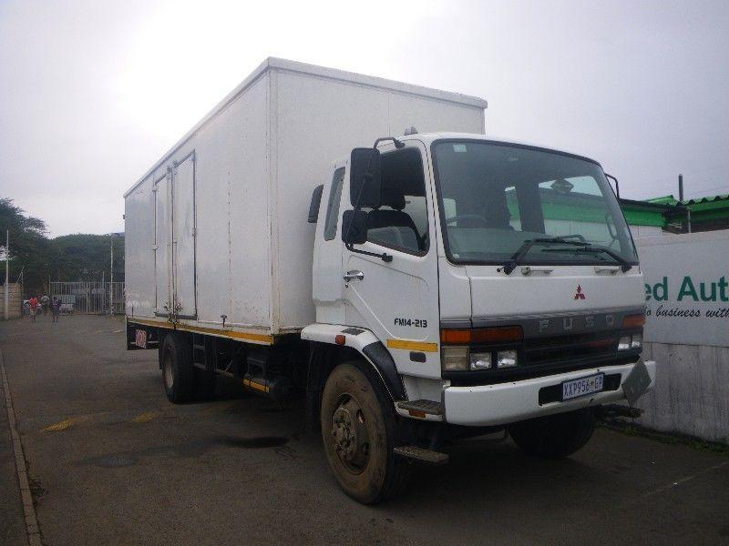 2009 white Mitsubishi fuso FM14-213 F/C C/C Truck R285000+vat