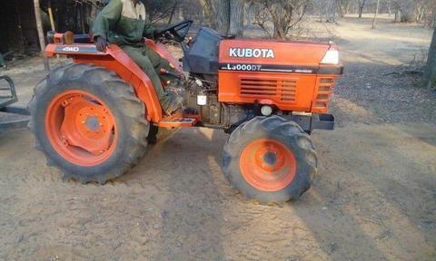 Kubota L3000DT 4X4 Tractor
