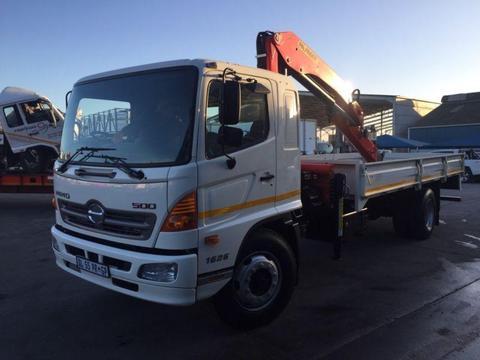 Hino 16-26 crane truck