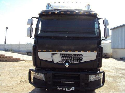 2010 Renault 440 Truck Tractor: