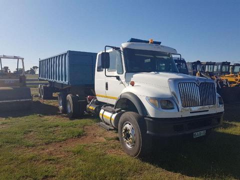 Henred Fruehauf Truck 7600 Combination