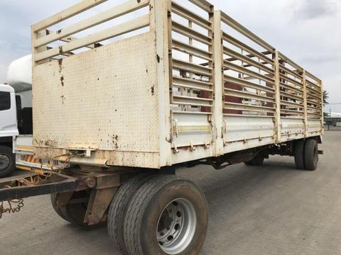 Drawbar cattle trailer