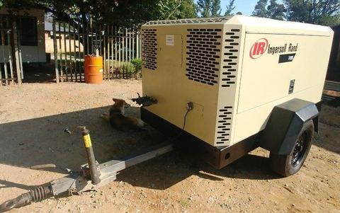 Ingersoll Rand 400CFM Mobile Air Compressor - 3750HRS