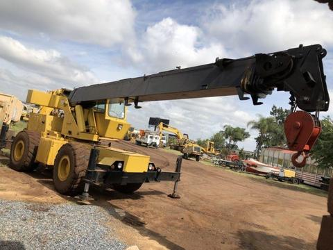 Grove RT522 Rough Terrain crane