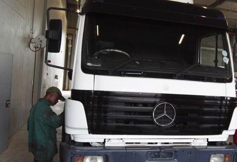 Mercedes-Benz 1735 Truck Tractor
