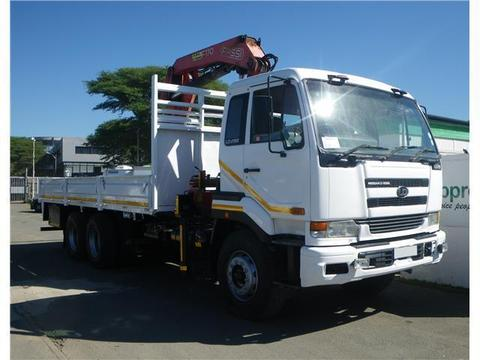 Nissan UD290 crane truck