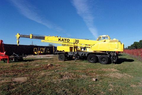 20 ton KATO crane