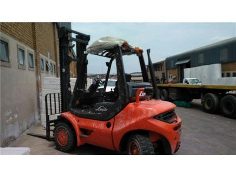 Clean well maintained Forklifts
