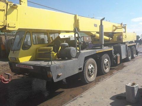 Used 1990 P&H 40 Ton Mobile Crane for sale