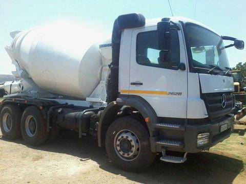 WE are BUYERS and SELLERS OF TRUCKS, TIPPER, TLBs, GRADERS, TRACTORS etc