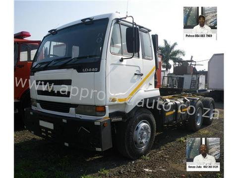 2006 Nissan UD440 Truck Tractor - AA2771