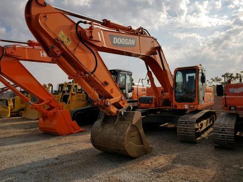 2013 Doosan DX300LCA 30Ton Excavator. 8000Hrs