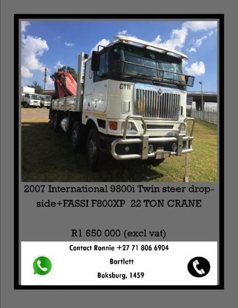 2007 INTERNATIONAL 9800i TWIN STEER DROPSIDE WITH 22 TONNE CRANE