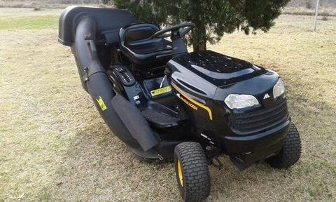2010 -McCulloch M14538 Lawnmower