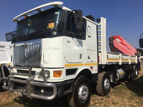 2007 INTERNATION 9800i TWIN STEER DROPSIDE WITH CRANE