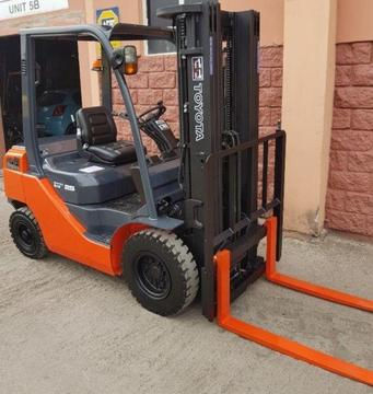 TOYOTA 2.5 TON DIESEL FORKLIFT FOR SALE OR HIRE (MANY TO CHOOSE FROM)