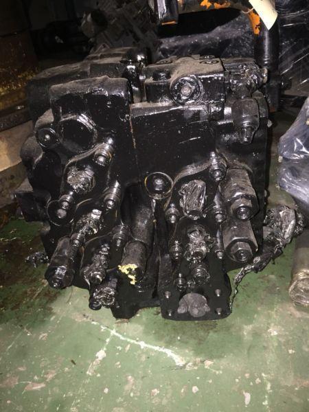 Kawasaki Ux28-21 valve Bank