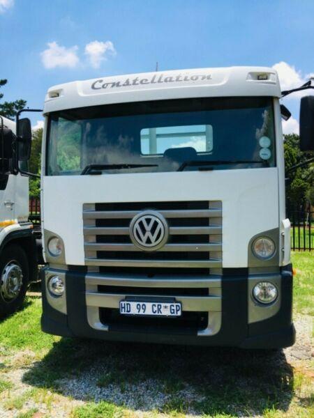 Volkswagen 15-180, 8ton dropside truck on special