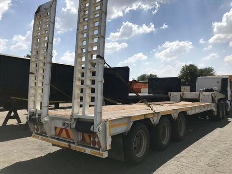 Henred Tri axle low bed